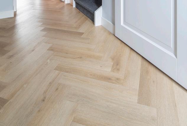Belakos PVC visgraat vloer / Louis Tapis Bussum