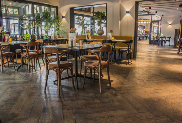 Cinzento massief houten vloeren / Louis Tapis Bussum
