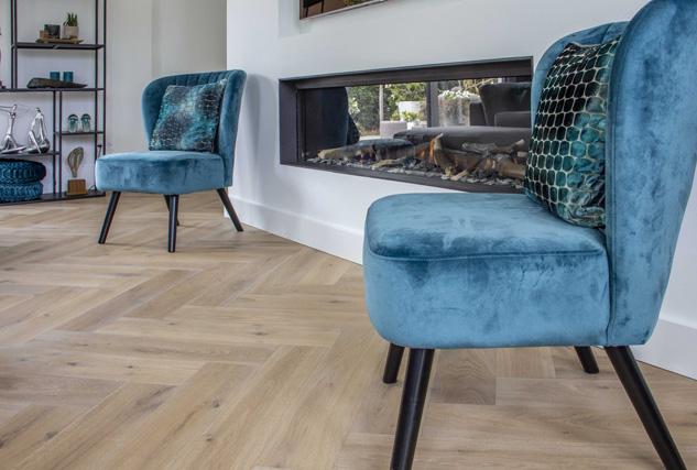 Cinzento houten visgraat / Louis Tapis Bussum