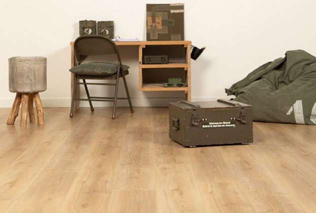 Douwes Dekker PVC vloer avontuurlijk / Louis Tapis Bussum