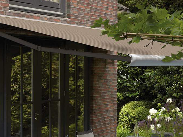 Luxaflex Outdoor knikarm / Louis Tapis Bussum